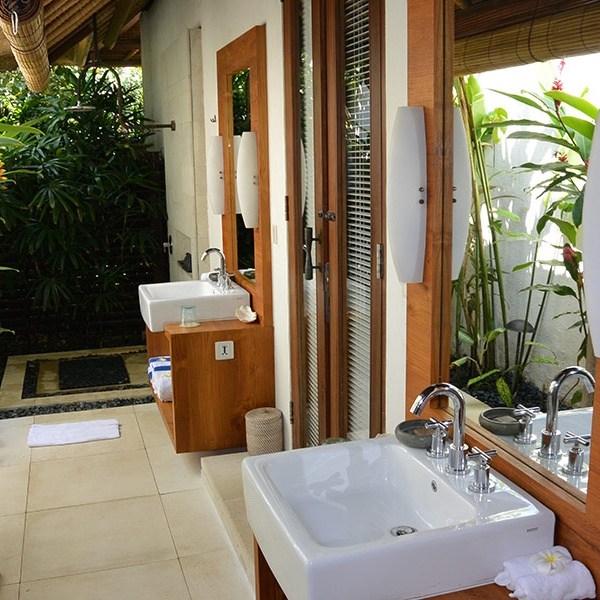 Outdoor ensuite bathroom with shower.