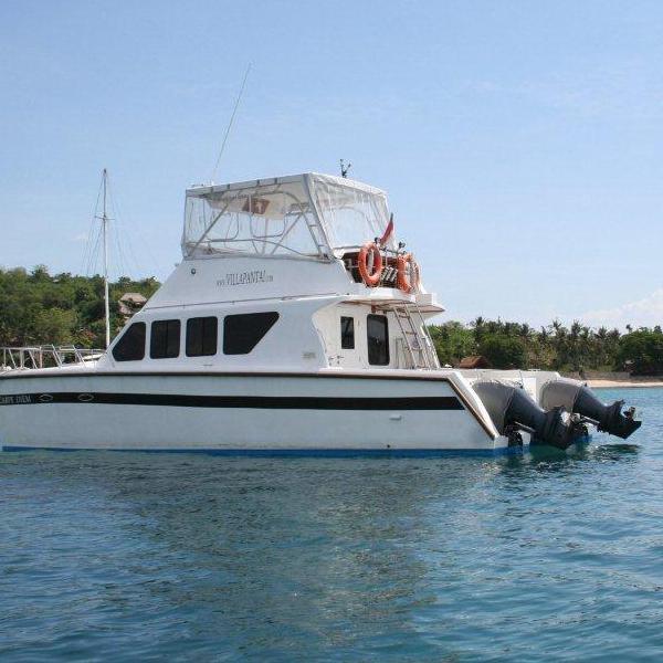 Enjoy cruising around Nusa Lembongan on Carpe Diem, our exclusive boat charter