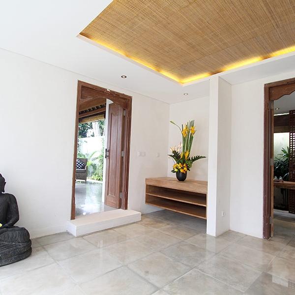 Unwind and relax at Villa Pantai's exclusive day spa on Nusa Lembongan
