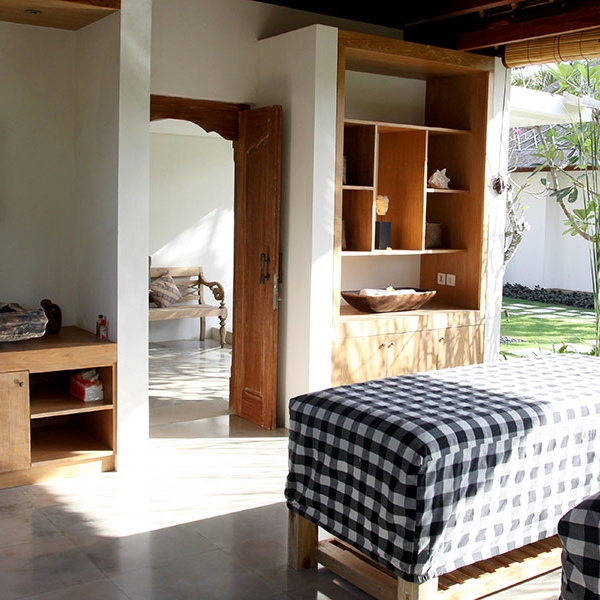 Villa Pantai's day spa offers a range of services to help you relax during your stay on Nusa Lembongan