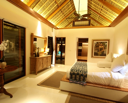 Luxury Bali Villa Suites with king-sized beds and fully appointed bathrooms