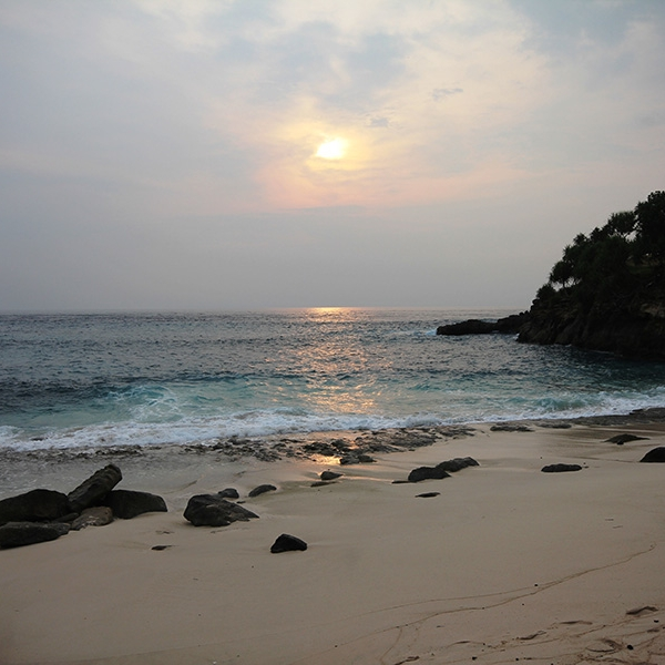 The remarkable beachside sunsets on Nusa Lembongan are a worthy highlight of each day of your stay