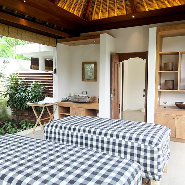 Unwind and rejuvenate at our exclusive day spa on Nusa Lembongan